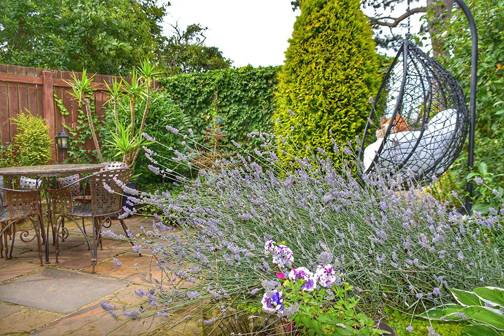 Oak Barn Garden